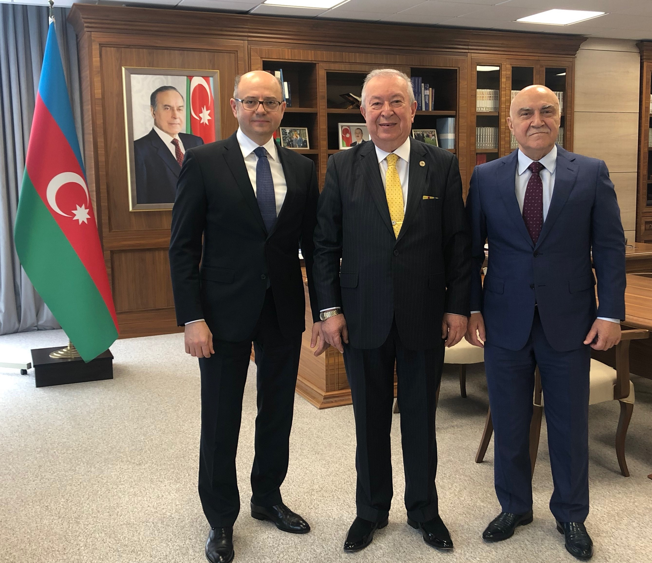 Dr. Akkan Suver visits the Minister of Energy of Azerba